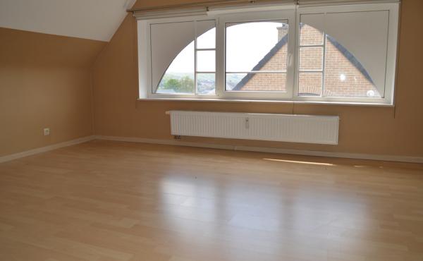 Appartement Bouges   06   150517